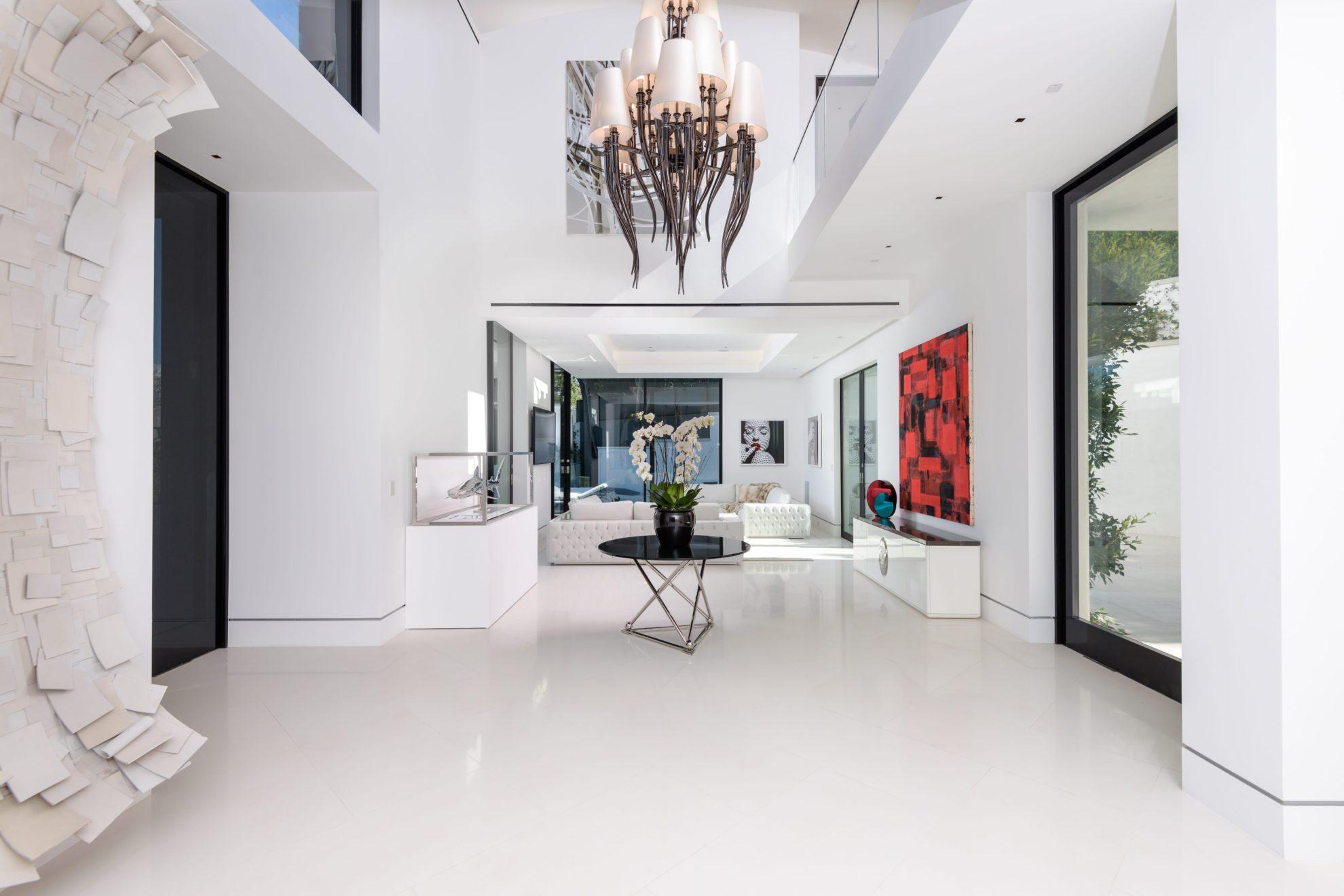 1029 Hanover - Foyer